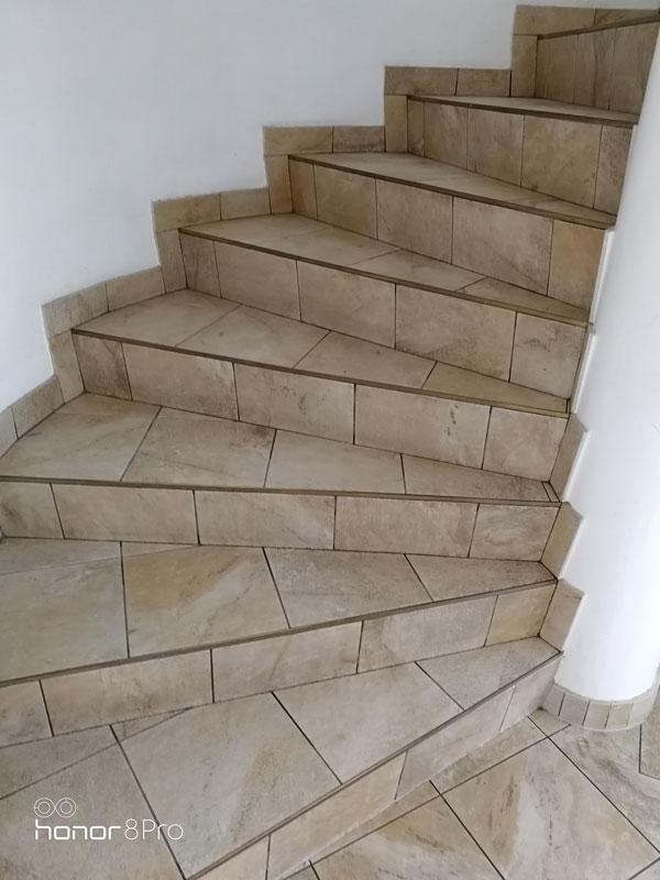 NKM nettoyage - décapage escalier après